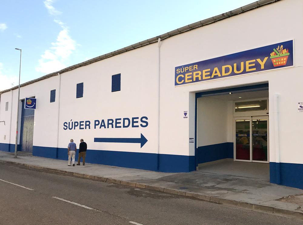 Agropal inaugura un nuevo supermercado en Paredes de Nava